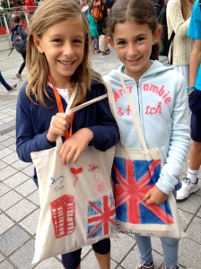 Benny and Noyemi used the bags they painted themselves in London!